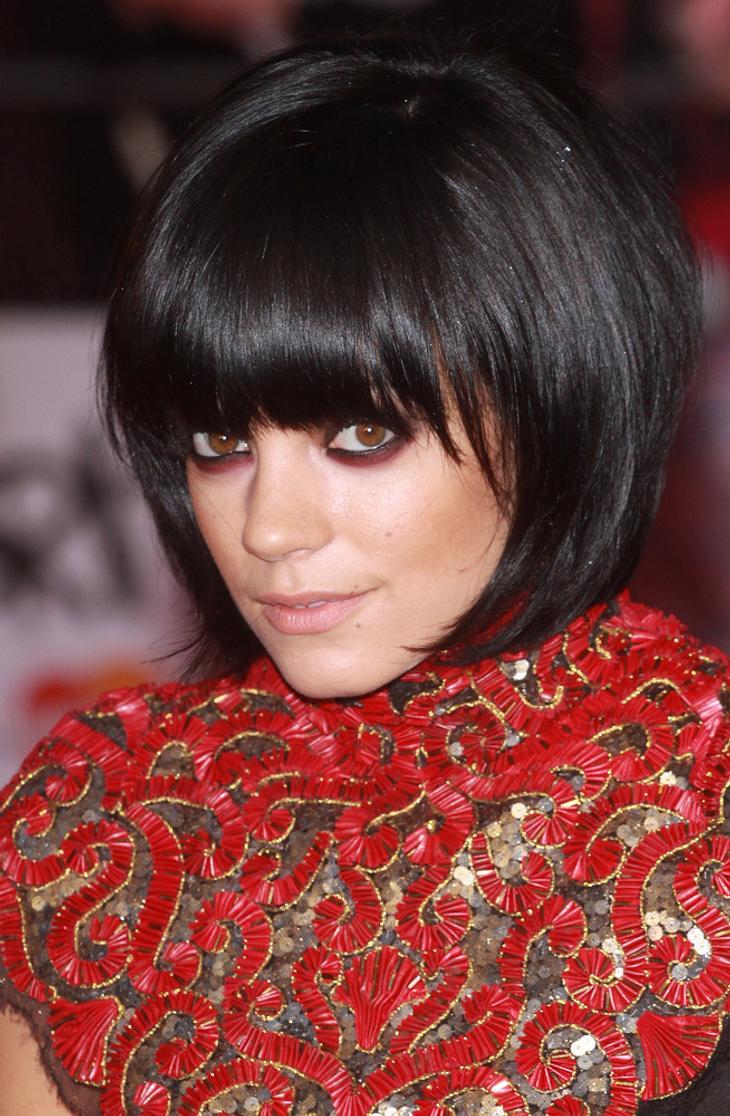 Lily Allen hat Schleudertrauma von Sturz