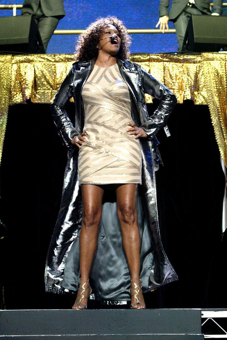 Whitney Houston sagt weitere Shows ab