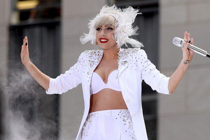 Lady Gaga im Duett mit Yoko Ono