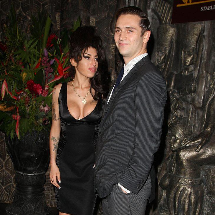 Amy Winehouse: Ex-Freund Reg Traviss wegen Vergewaltigung angeklagt