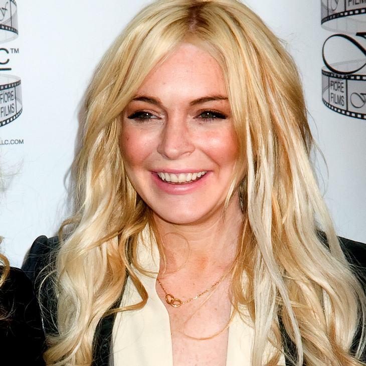 Lindsay Lohan trägt jetzt Billy Joel-Tattoo