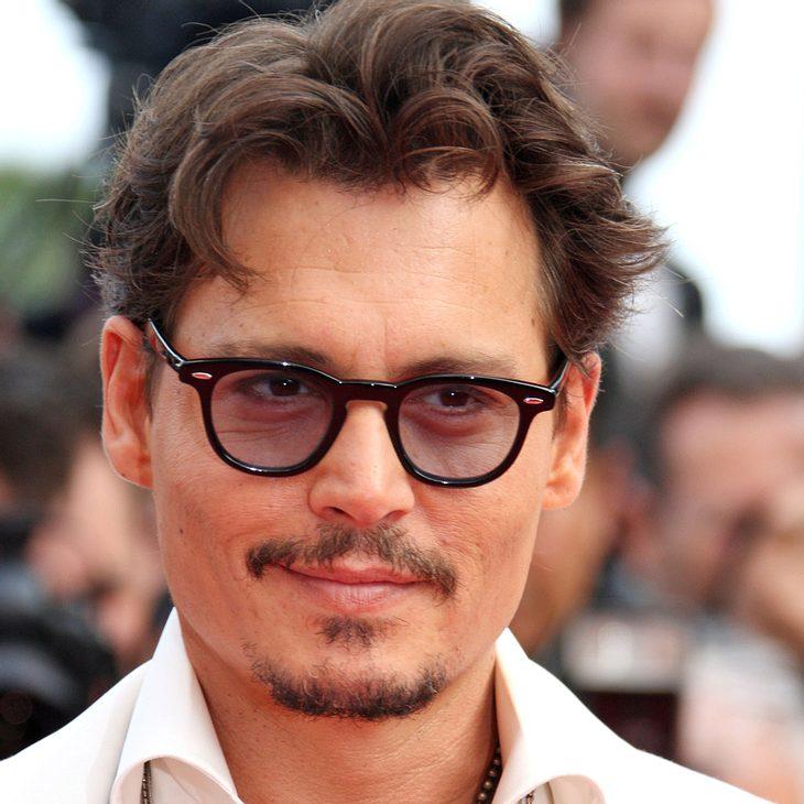 Johnny Depp ist auch ohne Trauschein glücklich