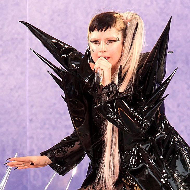 Lady Gaga: Nackte Tatsachen bei Designer Awards
