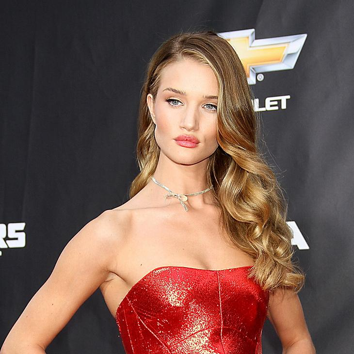 Rosie Huntington-Whiteley: Neues Burberry-Model