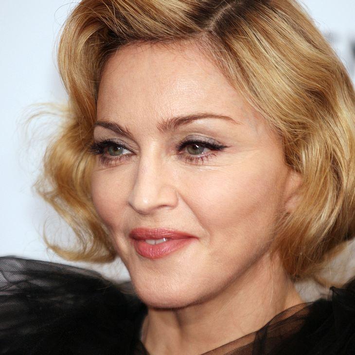 Madonna: Finger gebrochen