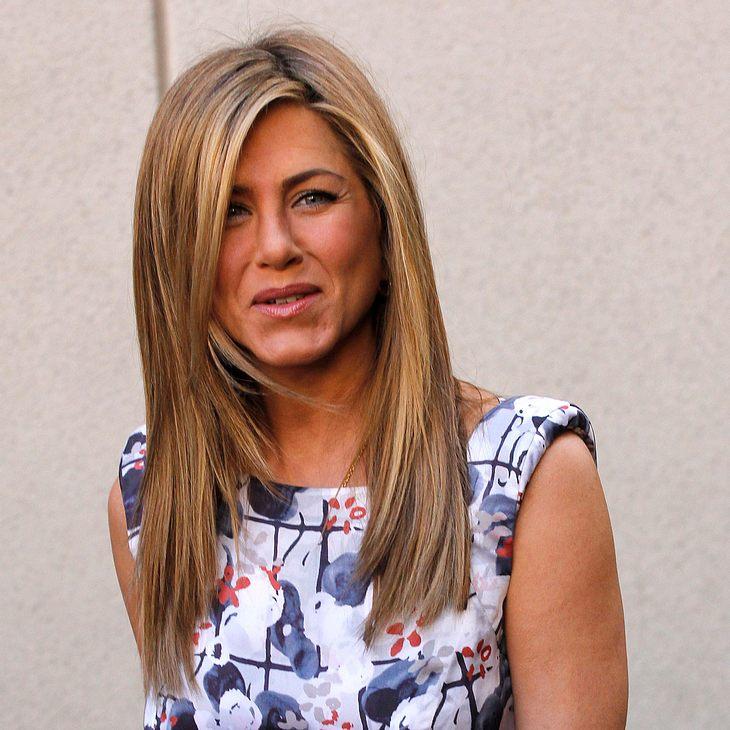 Jennifer Aniston lädt Brad Pitts Mutter zur Hochzeit ein