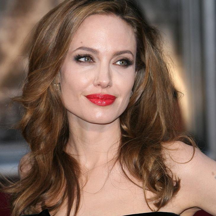Angelina Jolie besucht syrische Flüchtlinge