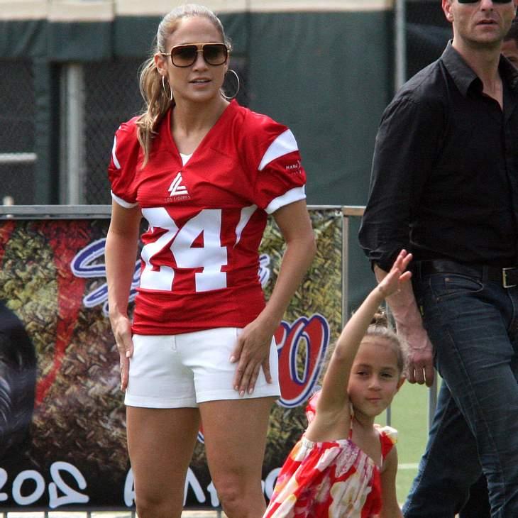 Jennifer Lopez: Football für einen guten Zweck