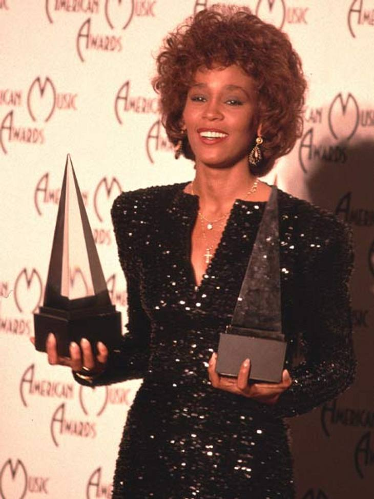 Whitney Houston - eine Karriere in BildernBei den American Music Awards 1989 ergatterte Whitney Houston gleich zwei Preise.