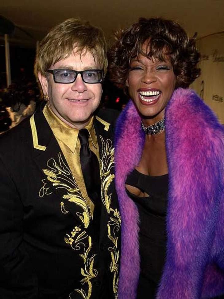 Whitney Houston - eine Karriere in BildernEin musikalisches Traumpaar: Whitney Houston und Elton John bei der Benefizveranstaltung von Eltons AIDS-Foundation.
