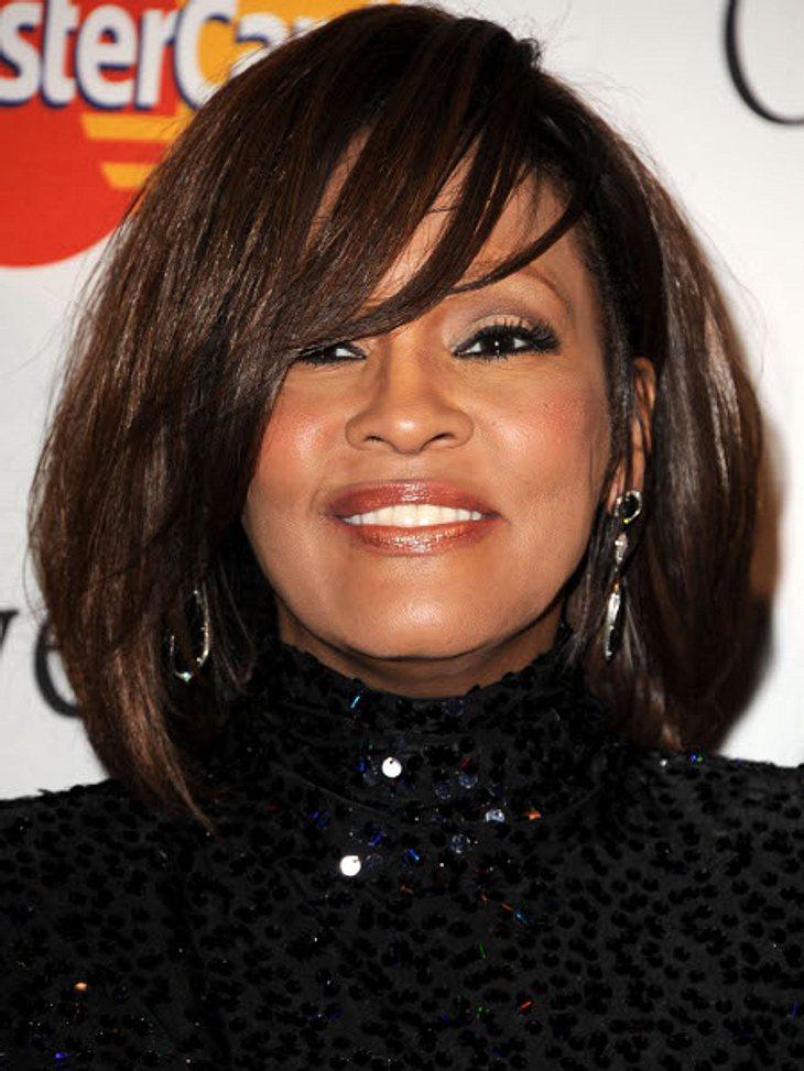"""Die Psycho-Krisen der Stars""""Applaus ist Koks für die Seele"""", sagt der Psychiater Borwin Bandelow. Und als bei Whitney Houston († 48) der Erfolg ausblieb, füllte die Sängerin die plötzliche Leere in ihrem Leben mit Drogen und Medik"""