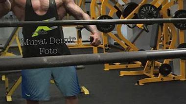 So breit war er noch nie: Wiese beim Training - Foto: facebook/muratdemir