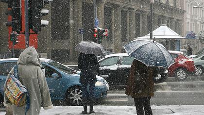 Wetterumschwung: Heftiger Temperatursturz mit Bodenfrost erwartet - Foto: Getty Images