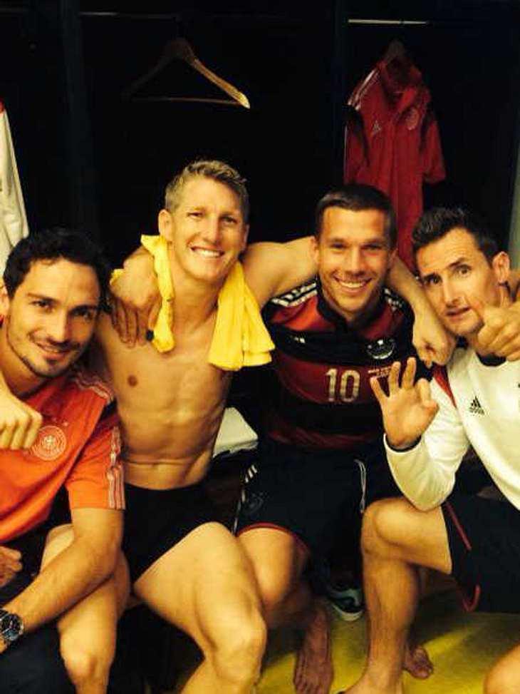 WM 2014:Schweini feiert nackt mit seinen Jungs!
