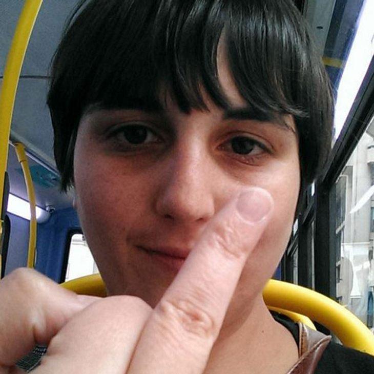 Zoe Stavri backt ein Brot mit Scheidenpilz