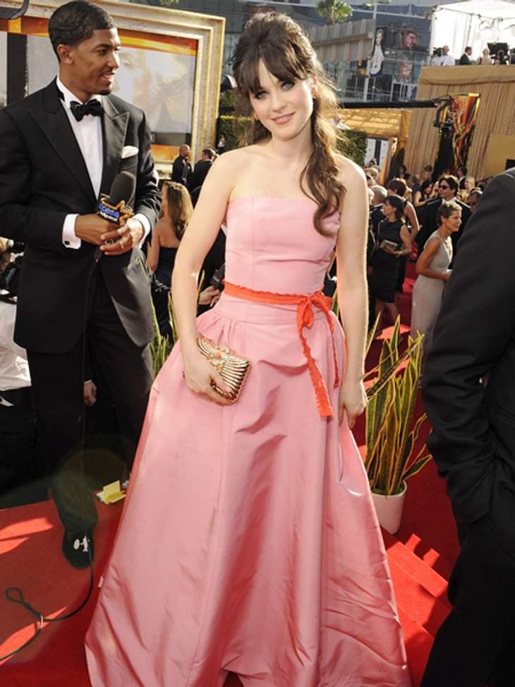 Star-Style: Mädchenhaft wie Zooey DeschanelIn diesem Kleid, dass Zooey Deschanel zur Emmy-Verleihung 2011 trug macht sie allen Disney-Prinzessinnen Konkurrenz.