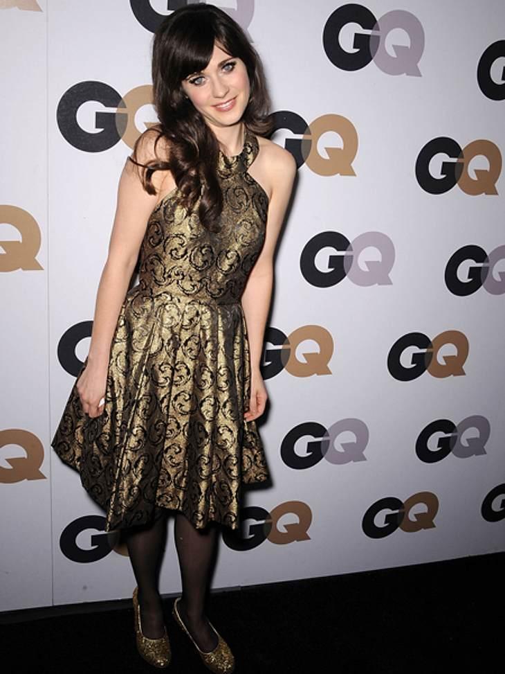 Star-Style: Mädchenhaft wie Zooey DeschanelEin Goldstück! Charmant sind auch die mädchenhaften Posen auf dem roten Teppich.