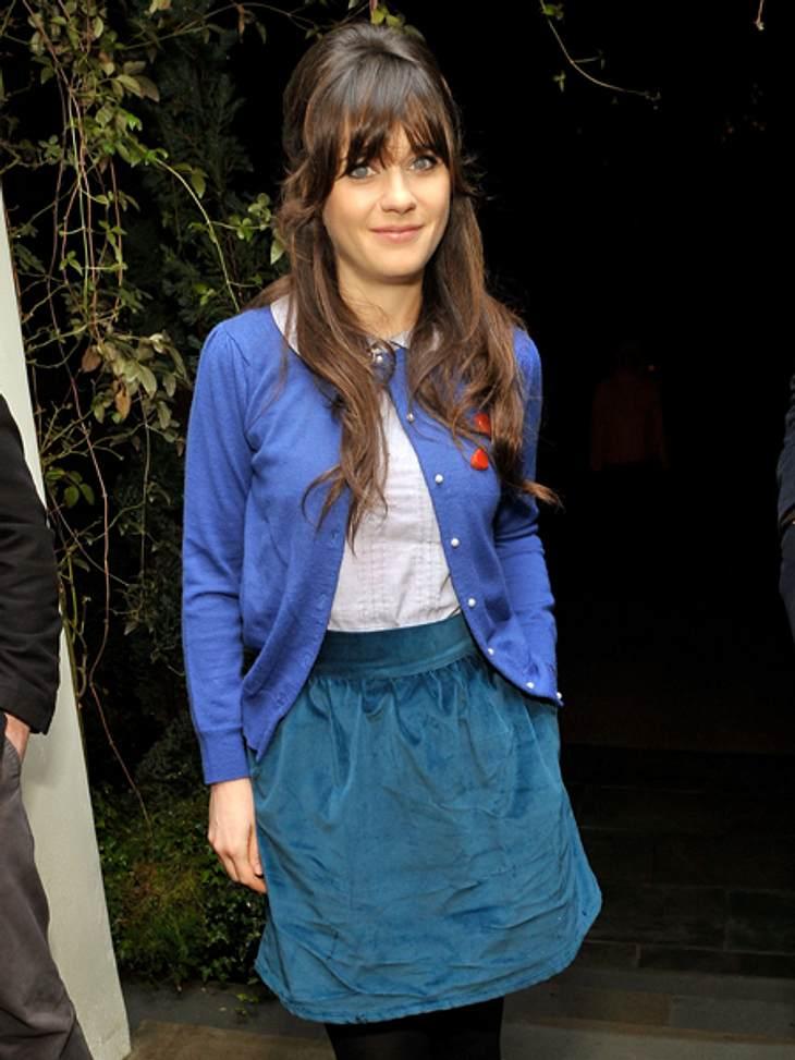 Star-Style: Mädchenhaft wie Zooey DeschanelAuch wenn Zooey Deschanel nicht für eine Filmpremiere oder eine Preisverleihung gestylt ist, sieht sie bezaubernd aus.