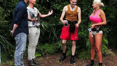 Sophia Wollersheim und Menderes Bagci stellen sich der zweiten Dschungelprüfung - Foto: RTL / Stefan Menne